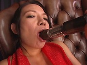 Mako Oda, gets naughty on a dildo