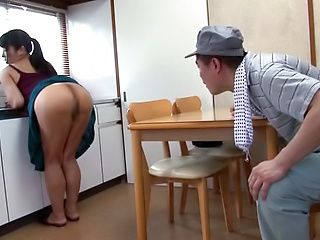 Nozomi Mikimoto giving an impressive head
