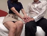 Mature Reiko Sawamura gives steamy blowjob picture 14
