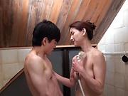 Hot milf Midou Kanae in raunchy shower scene