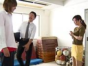 Aoyama Hana ,makes a dude groan in a deep voice