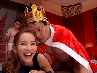 Okazaki Emiri amazes with her bedroom skills