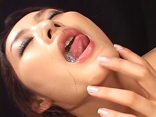 Sexy Murakami Risa in kinky solo action