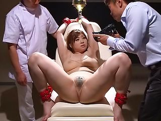 Chie Nakamura enjoys a breathtaking toying session