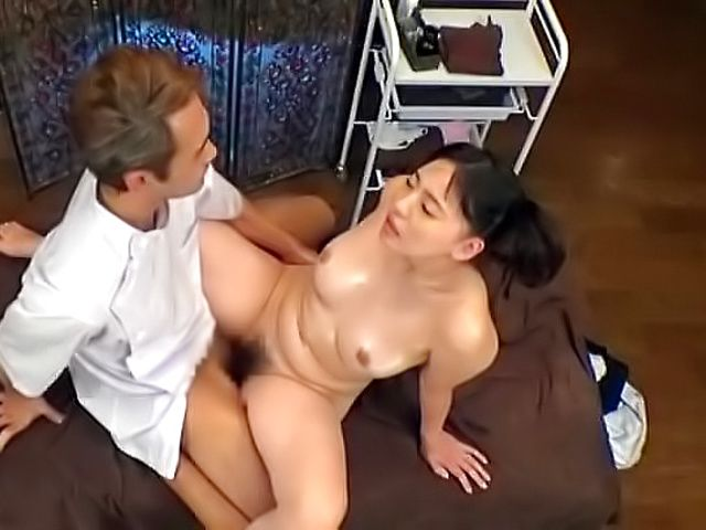 Very gorgeous babe gets her twat nailed well