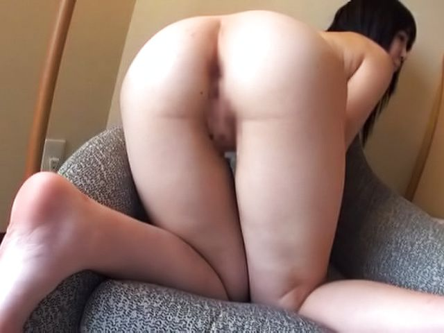 Curvy Asian hottie in raunchy tease session indoors