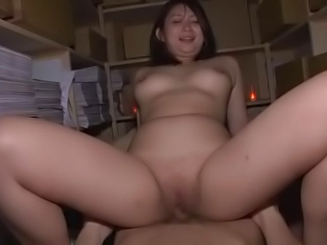 Naughty Mei Matsumoto gets creamed after a dick ride