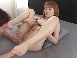 Hoshimi Rika ,has her shaved pussy pleasured