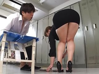 Seductive goddess Nakamura Chie showing off her sexy body